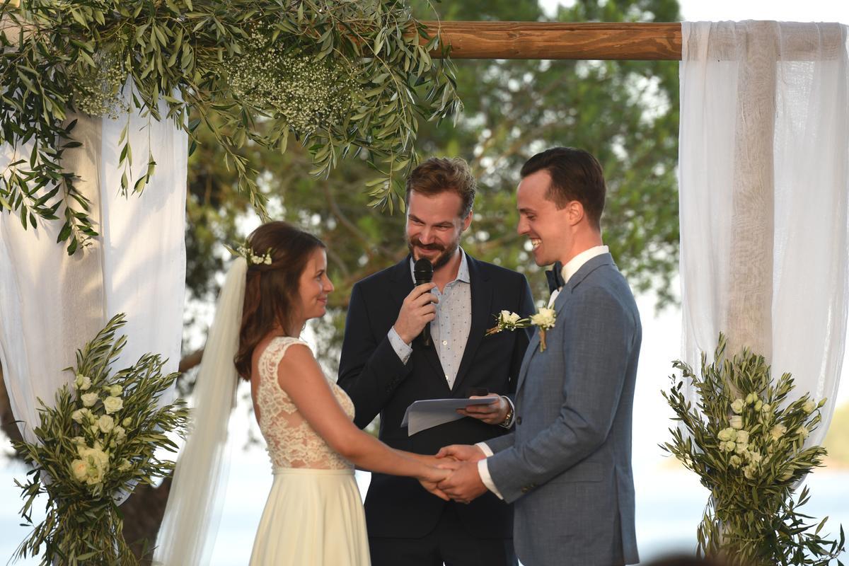 Ρουστίκ Γάμος Με Κλαδιά Ελιάς